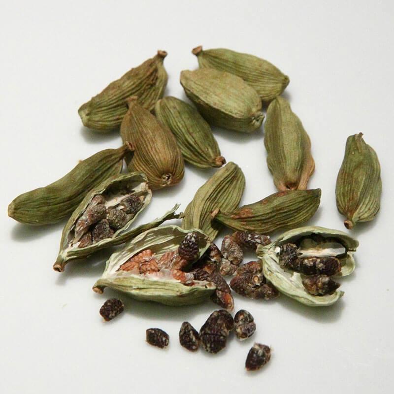 Cardamom Essential Oil Uses: Fight Cancer & Nausea