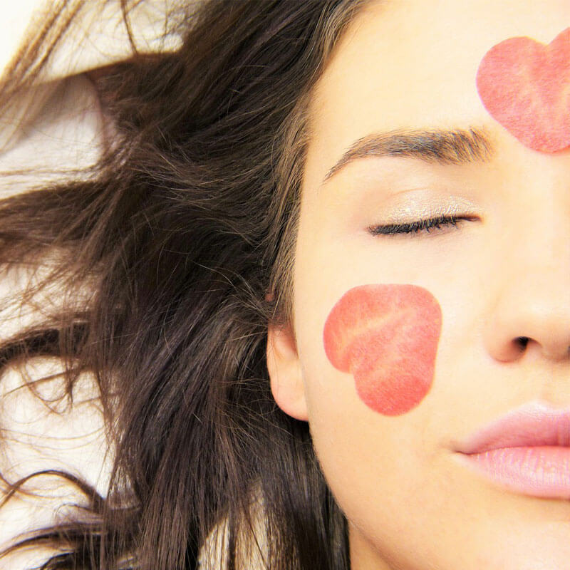 Essential Oils for Acne: 4 Choices for Clear Skin