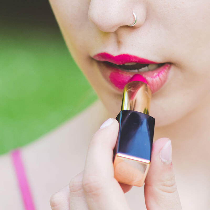 DIY Lipstick Recipe with Essential Oils