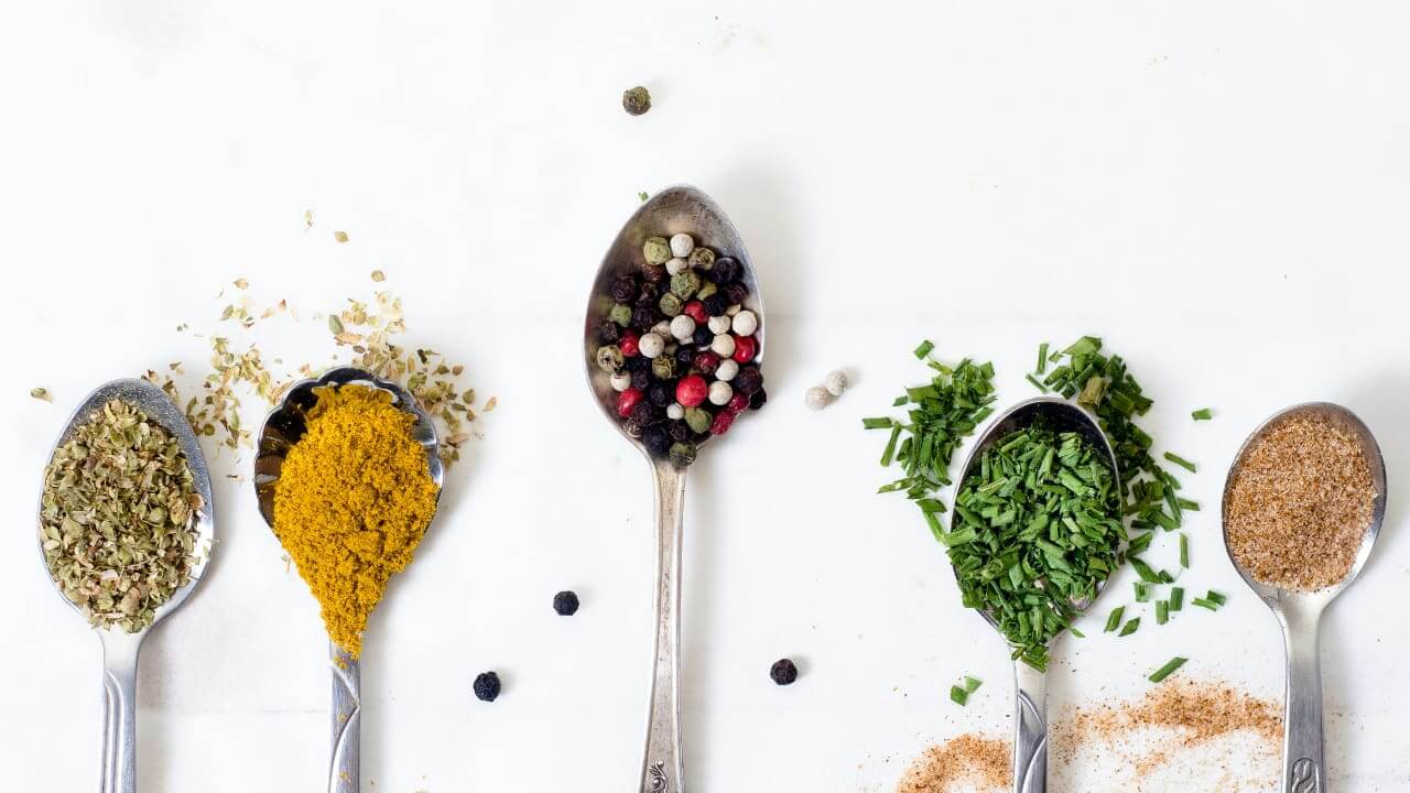 5 Healthiest Herbs and Spices & Why You Need Them