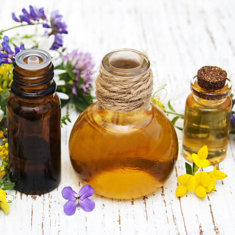 Essential Oils Guide: A Step-By-Step Daily Strategy for Safe Use