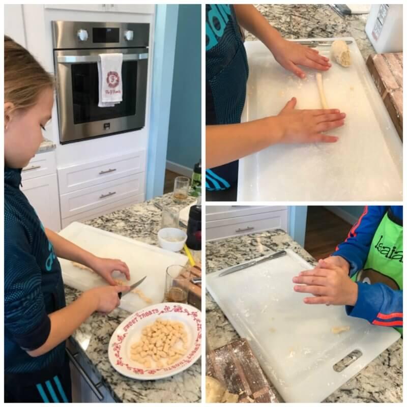 Struffoli recipe: Italian Honey Balls Snakes
