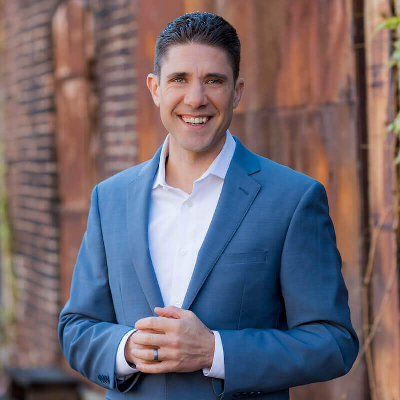 Dr. Eric Zielinski - Author of the Healing Power of Essential Oils book